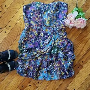 Dresses & Skirts - Strapless floral print ruffle dress.